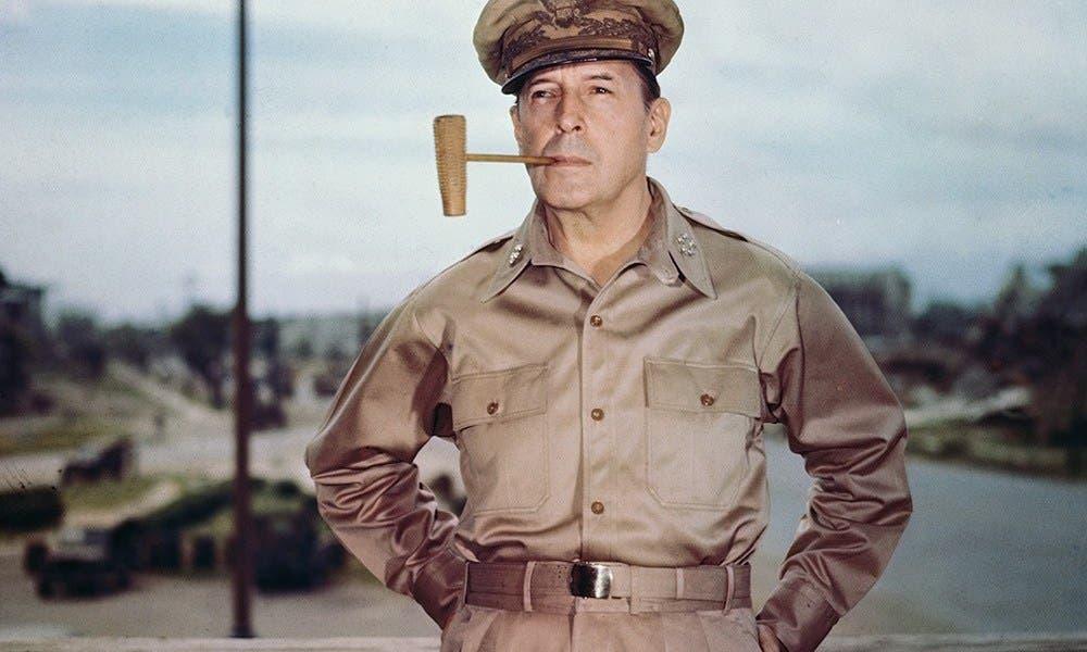 الجنرال الأميركي دوغلاس ماكارثر