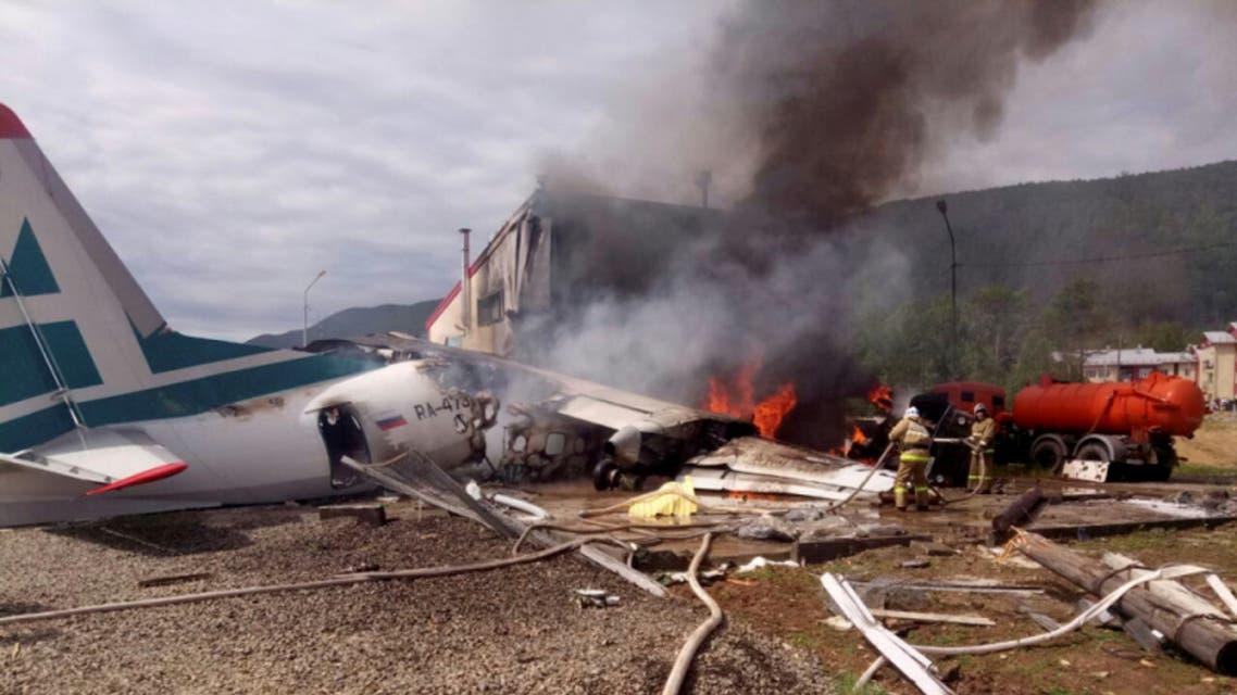 اشتعال النيران بالطائرة بعد هبوط اضطراري