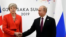 """برطانوی وزیراعظم اور روسی صدر کے درمیان سرد مہری کا شکار """"خاموش"""" مصافحہ"""