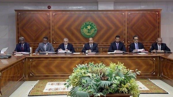 رئيس موريتانيا يحارب الفساد قبل رحيله.. استدعاء مسؤولين
