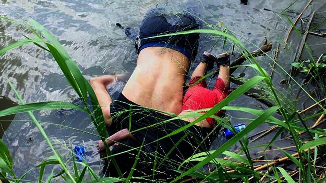 صورة جثتي المهاجر وابنته
