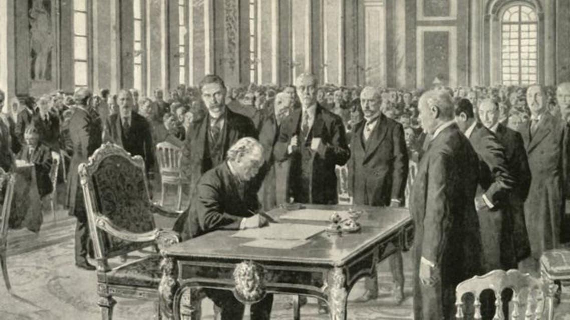لوحة تجسد توقيع المبعوث البريطاني على معاهدة فرساي