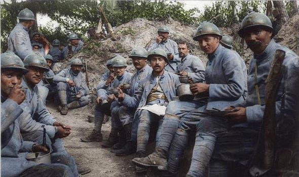 صورة لجنود فرنسيين بالحرب العالمية الأولى