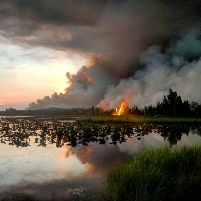 بالصور.. حرائق تذوب أنهار الجليد في ألاسكا