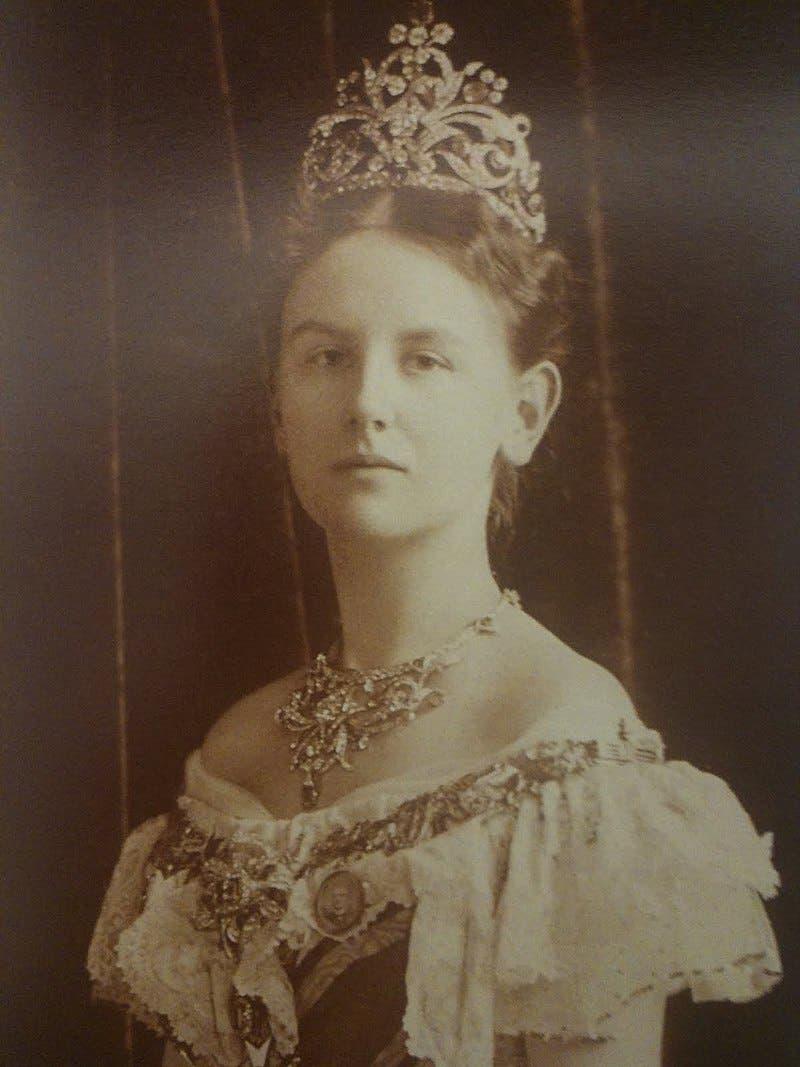 صورة لملكة هولندا فيلهلمينا