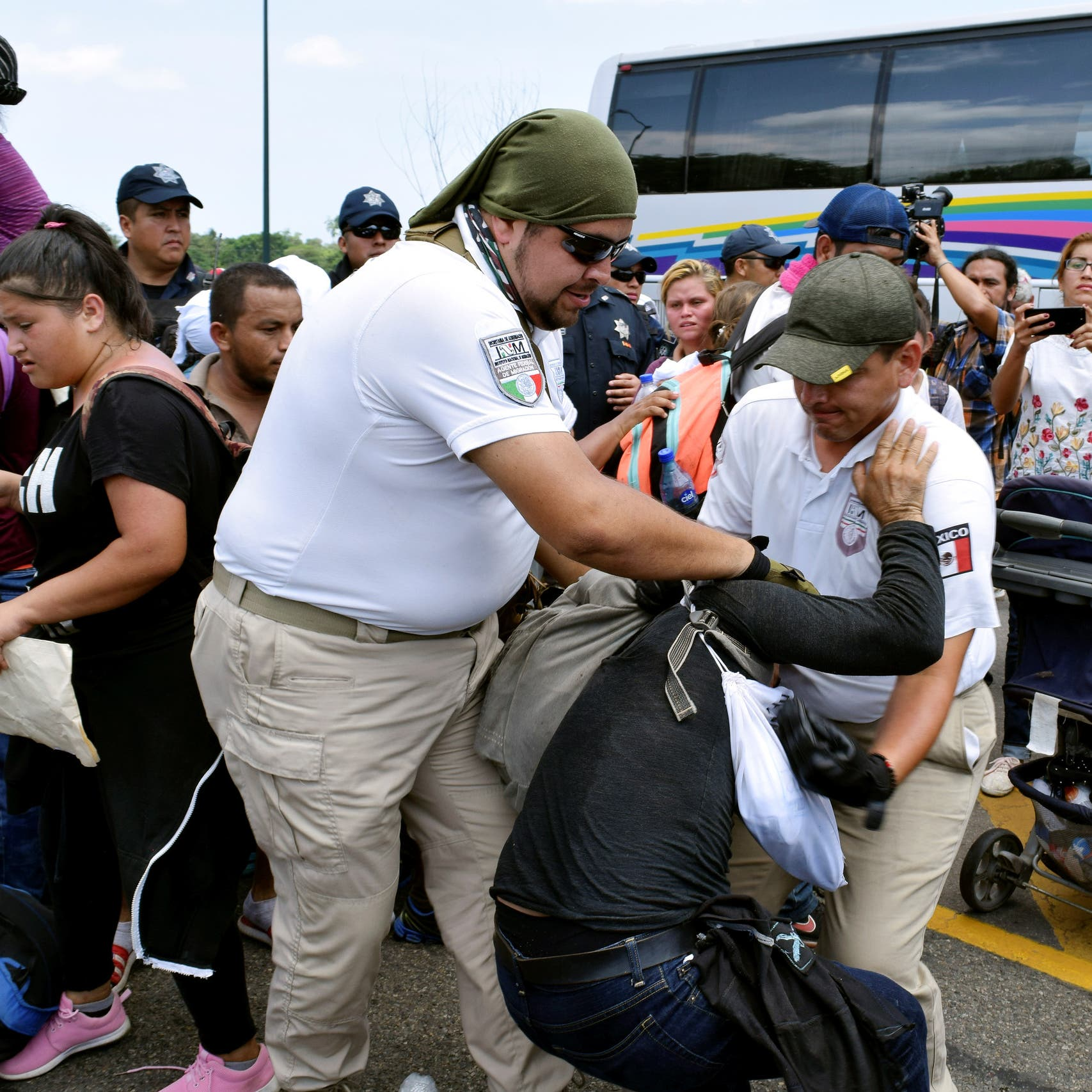 ترمب: فليبق المهاجرون ببلدهم إن لم تعجبهم مراكزنا