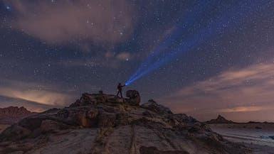 سعودي يوثق جمال المجرات فوق قمة هذا الجبل