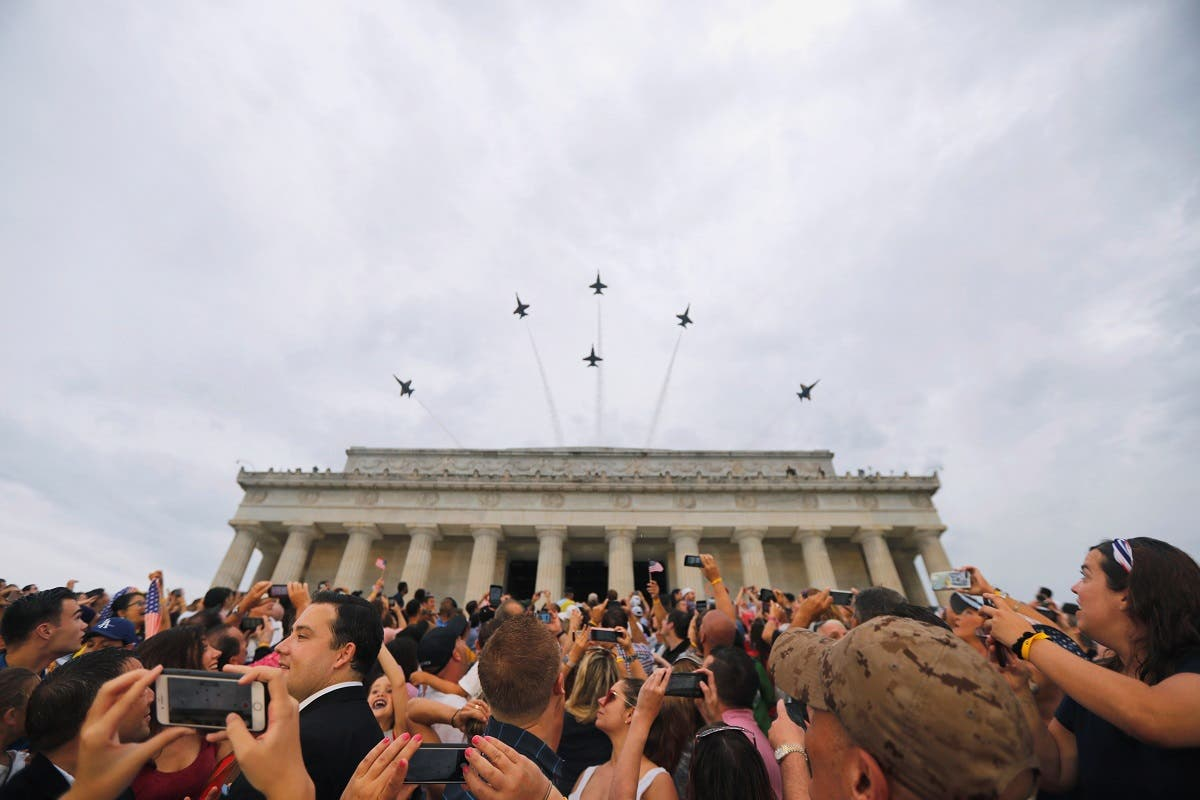 """US Navy Blue Angels perform a flypast at the """"Salute to America"""" event during Fourth of July Independence Day celebrations at the Lincoln Memorial in Washington, D.C., US, on July 4, 2019.  (Reuters)"""