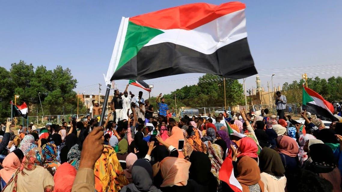 فترات انتقالية مختلفة في تاريخه السودان