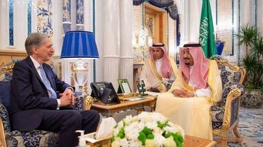 الملك سلمان يستقبل وزير الخزانة البريطاني