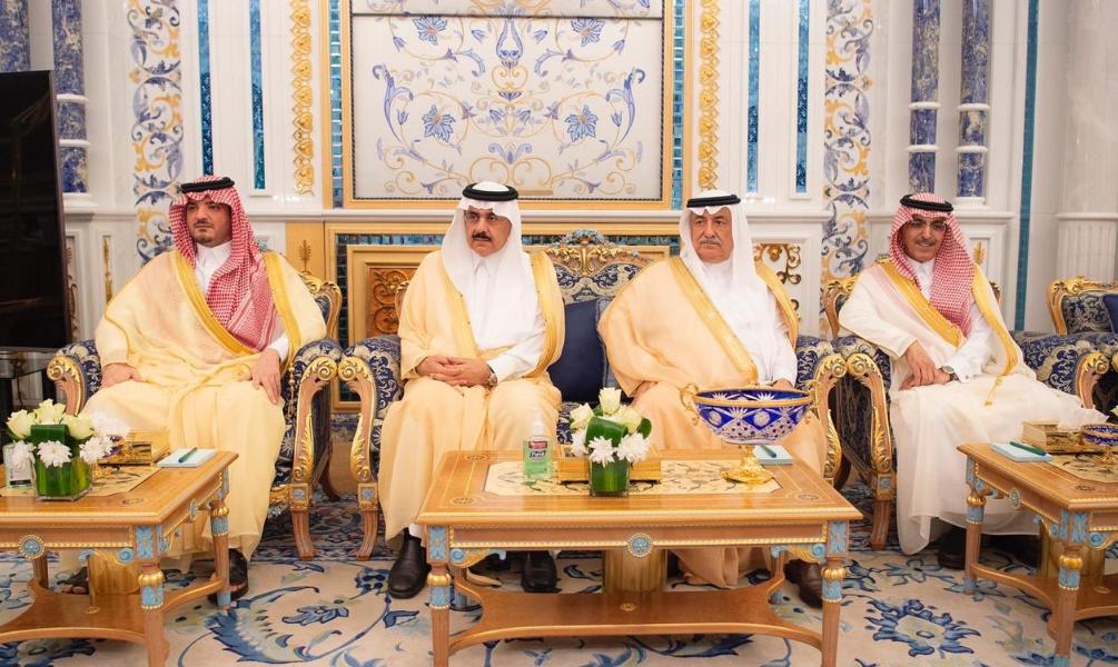 Saudi Arabia's King Salman bin Abdulazizhas meets British treasury chief Philip Hammond (SPA)