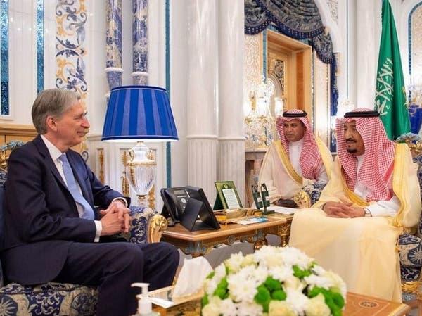 الملك سلمان يبحث مع وزير الخزانة البريطاني الخطر الإيراني