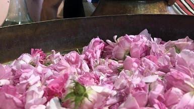 سعودي ترك وظيفته لأجل ماء الورد.. هذه قصته!