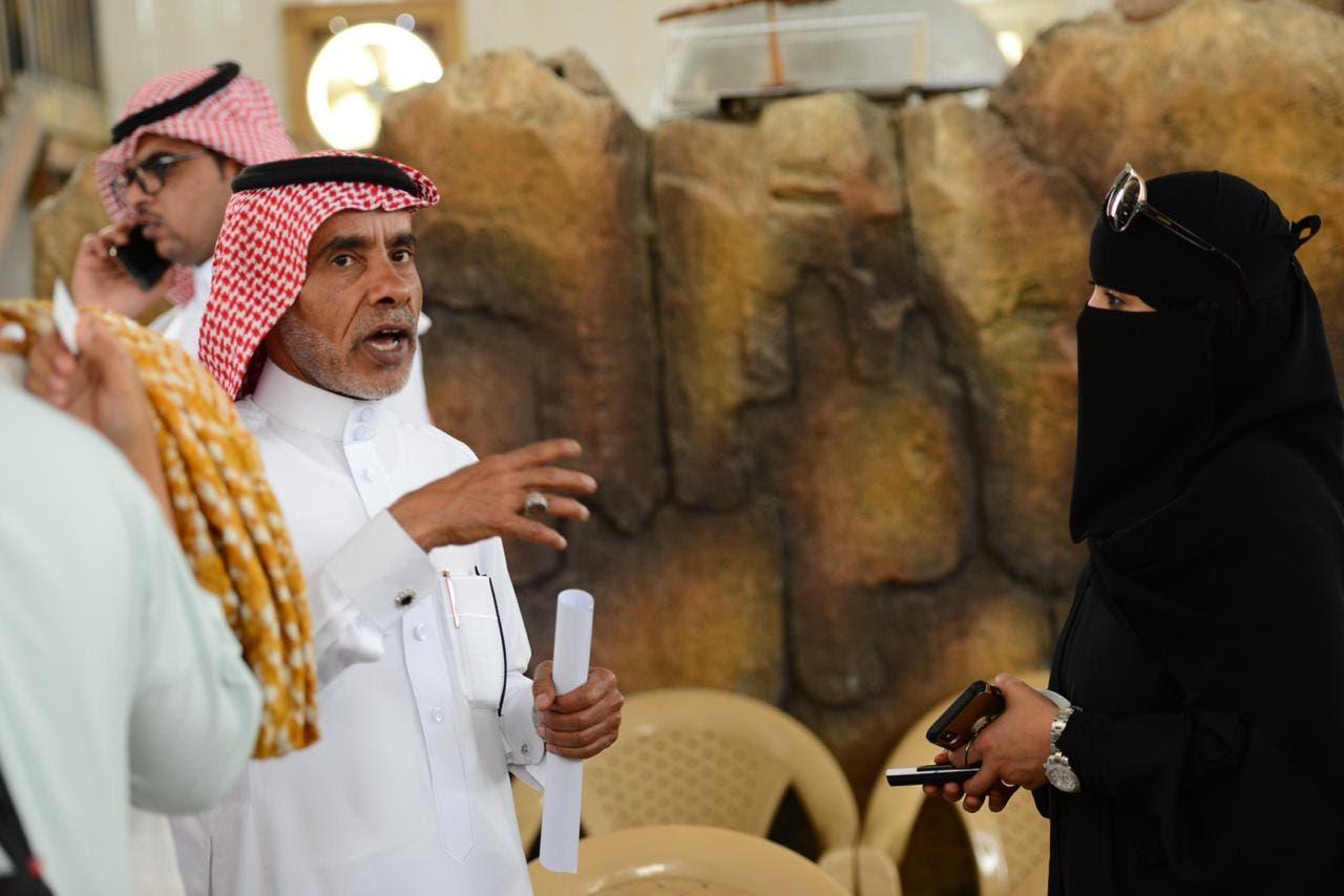 القرشي يتحدث للزميلة مريم الجابر