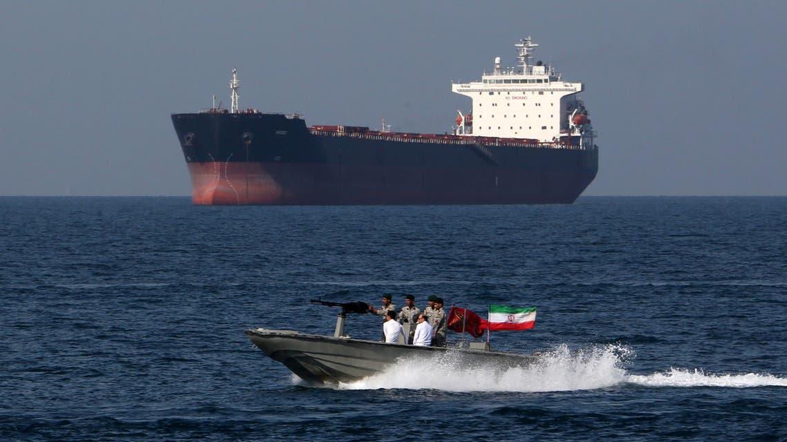 زورق إيراني في مضيق هرمز