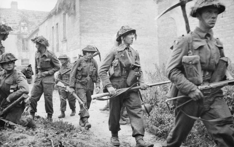 صورة لجنود بريطانيين خلال الحرب العالمية الثانية