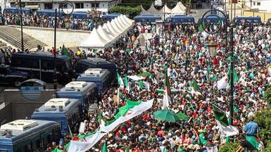 تواصل المظاهرات بالجزائر ورجل يحاول إشعال النار في نفسه