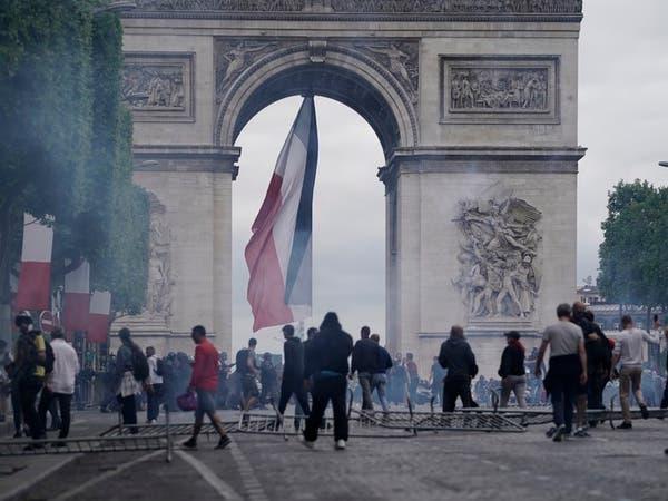 اشتباكات بين الشرطة الفرنسية ومتظاهرين في الشانزليزيه