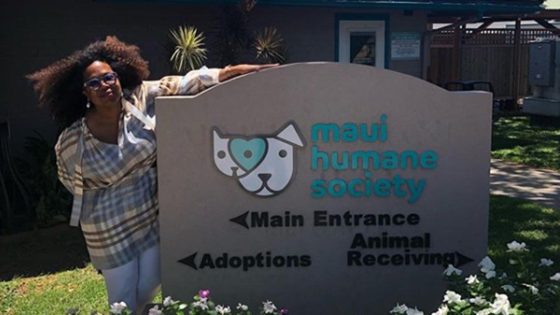 oprah winfrey at the Maui Humane Society (instagram)