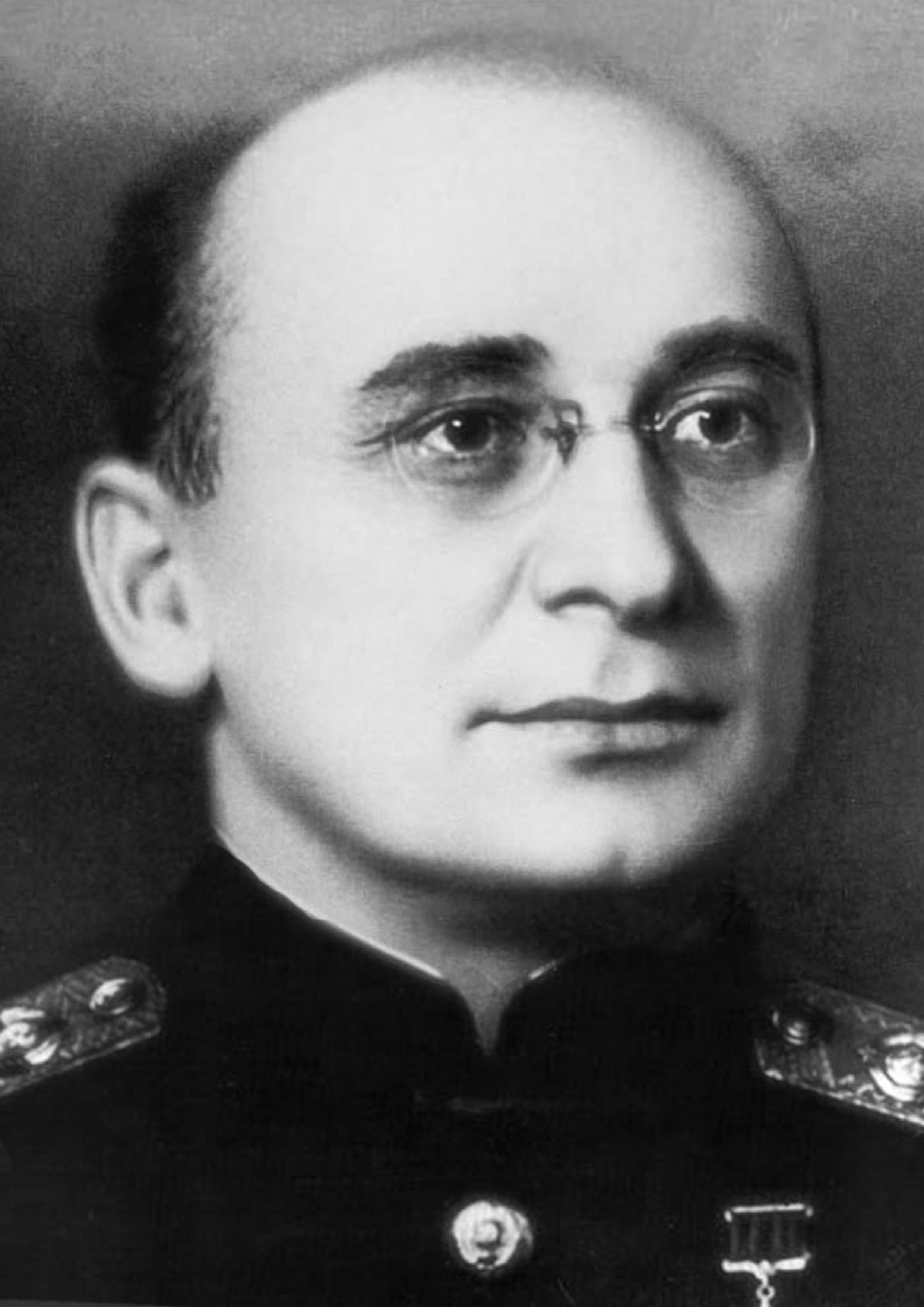 صورة للمسؤول السوفيتي لافرينيتي بيريا