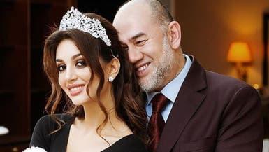 """ملك ماليزيا السابق لملكة جمال موسكو: """"طالق بالثلاثة"""""""