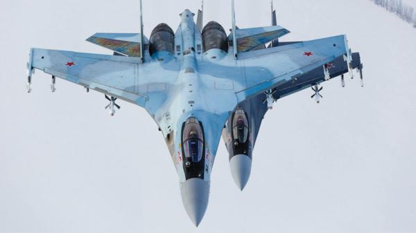 مقاتلات روسية تعترض أخرى أميركية بالمتوسط.. واشنطن: تصرف خطير