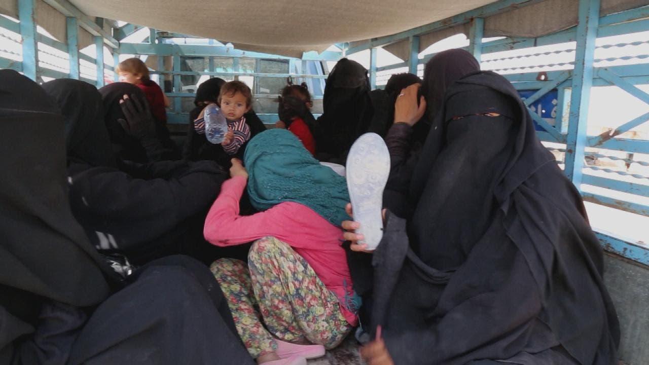 نساء داعشيات في مخيم الهول بسوريا