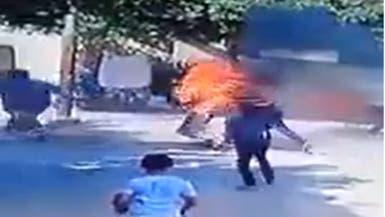 شاهد.. شاب مصري يشعل النار في والده يثير غضب الملايين