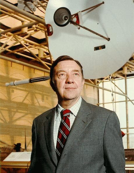 عالم الفيزياء الأميركي جيمس ألفرد فان ألن