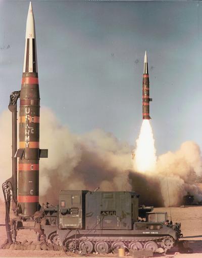 عملية إطلاق أحد صواريخ بارشينغ