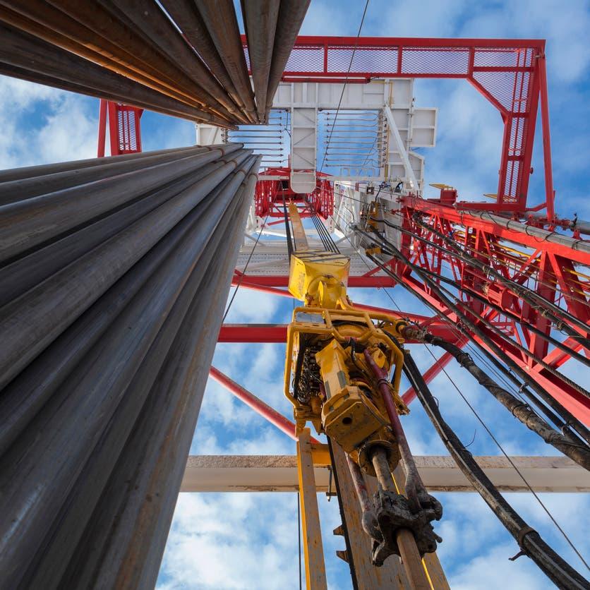 النفط يسجل أكبر قفزة في 30 عاماً.. وترمب: لا مشكلة