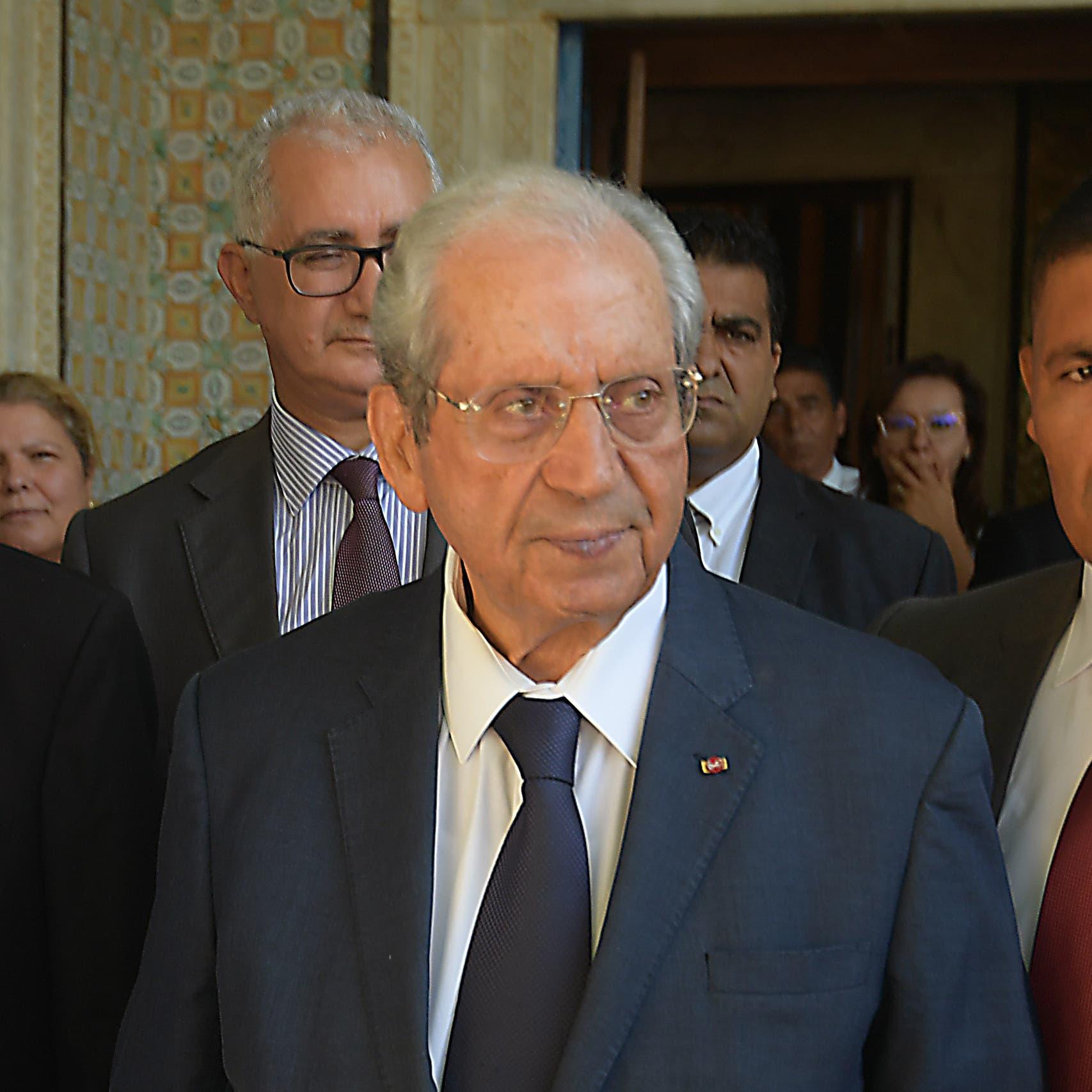 محمد الناصر يؤدي اليمين الدستورية رئيساً مؤقتاً لتونس