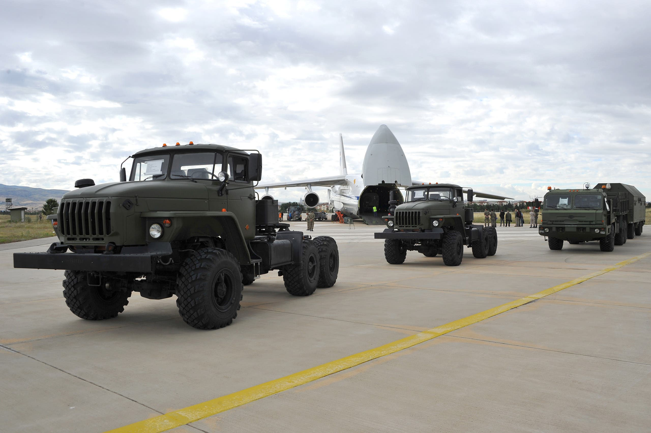 First parts of a Russian S-400 missile defense system are seen after unloaded from a Russian plane at Murted Airport, known as Akinci Air Base, near Ankara, Turkey. (File photo: Reuters)
