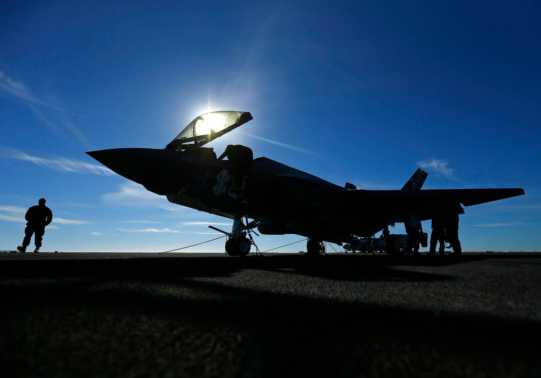 """مقاتلة من طراز """"إف 35"""""""