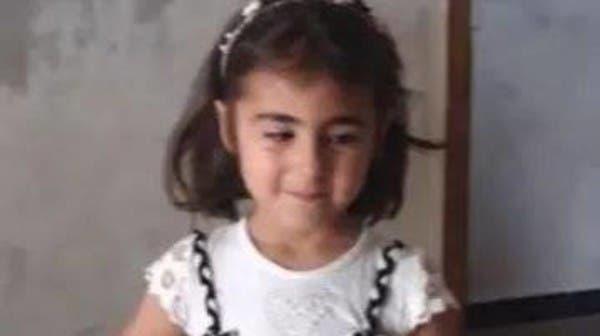 أحدثت صورها صدمة.. وفاة الطفلة السورية التي أنقذت رضيعة