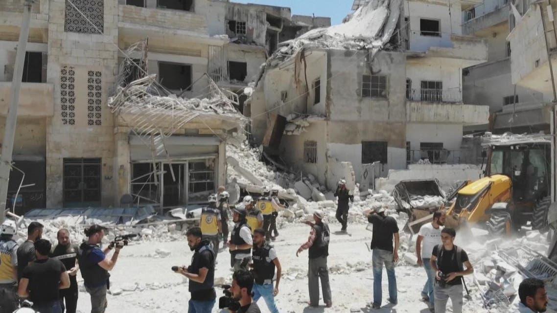 نحو 15 قتيلا في غارات للنظام السوري على إدلب