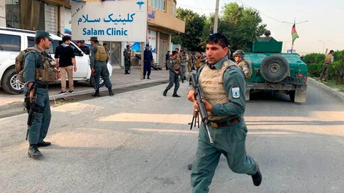 قوات أمن أفغانية تهرع إلى موقع الهجوم