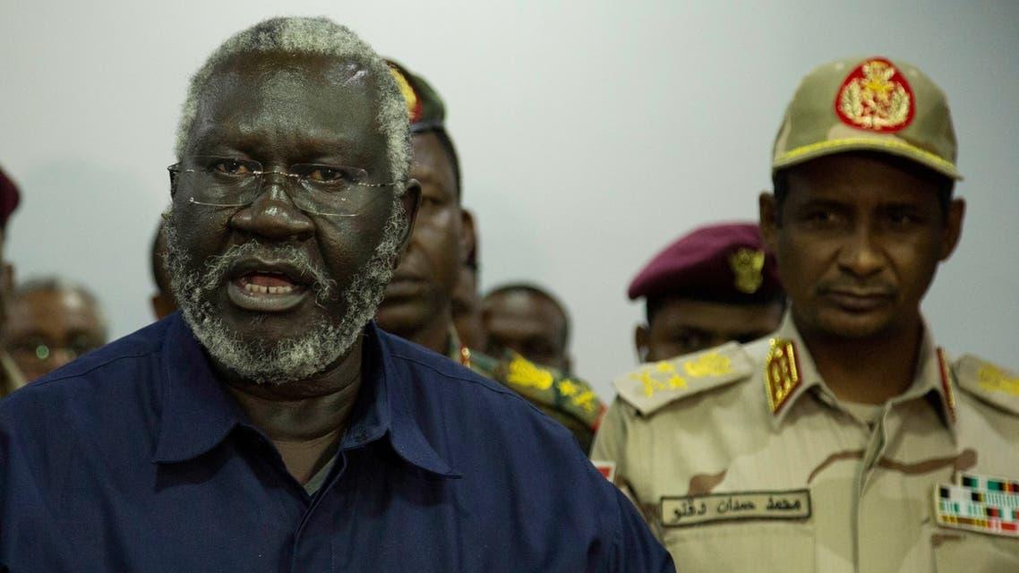 زعيم المتمردين في النيل الأزرق مالك عقار ونائب رئيس المجلس الانتقالي محمد حمدان دقلو