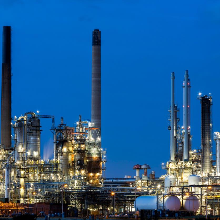 هل تتأثر شركات البتروكيماويات من تباطؤ المصانع في الصين؟