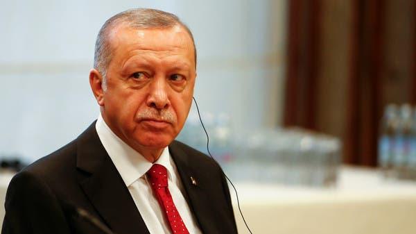 لو فيغارو: أردوغان بين ضربتين.. ارتفاع خدمة الدين والركود