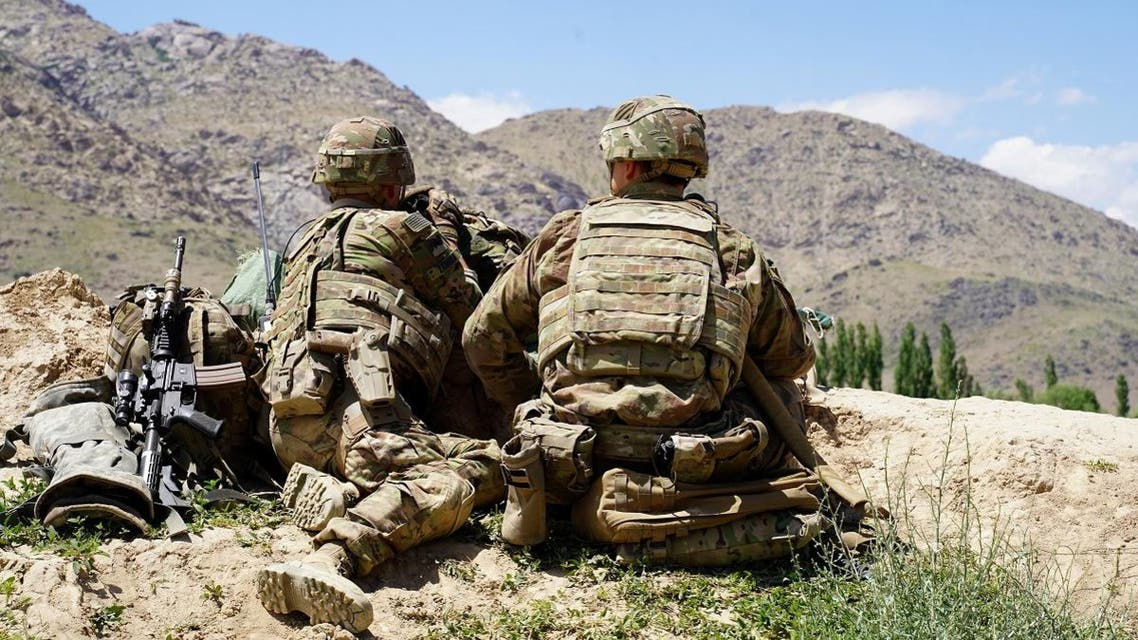 US soldiers look out over hillsides in Nerkh district of Wardak province. (File photo: AFP)