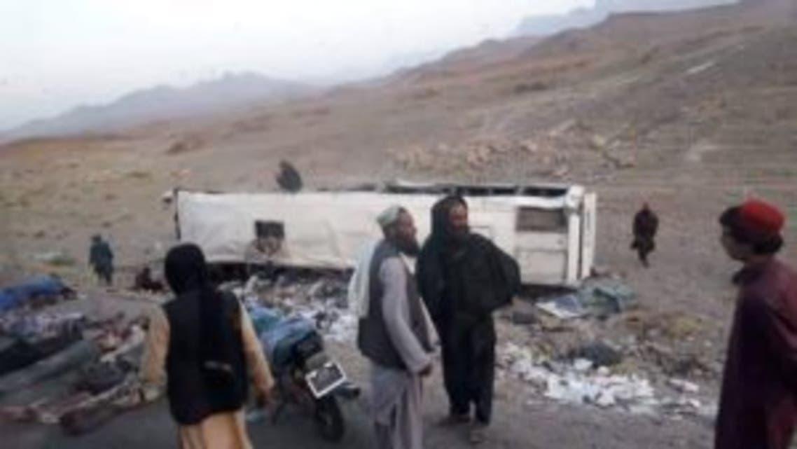 برخورد یک پس مسافربری با ماین کنار جاده در فراه؛ 34 تن کشته شدند