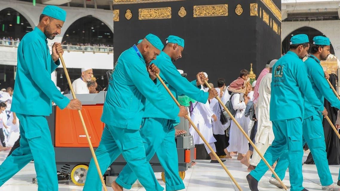الحرم المكي تنظيف الكعبة مكة