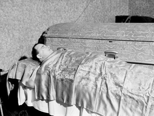 بعد 85 عاماً على وفاته.. استخراج جثة زعيم عصابة للتأكد من هويته