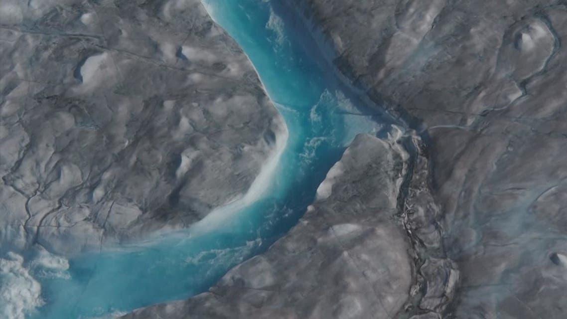 غرينلاند تذوب بسبب الحرارة المرتفعة