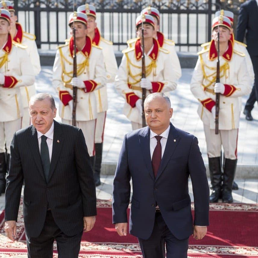"""أنقرة تسجن مُرحلاً من مولدوفا.. و""""المقابل"""" تجديد قصر الرئاسة"""