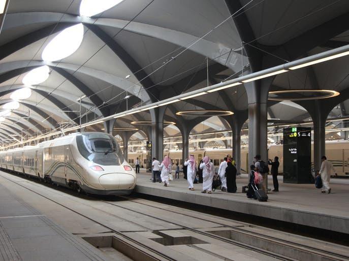 قطار الحرمين السريع ينقل حجاج بيت الله الحرام