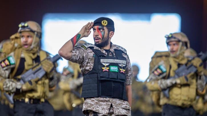 تصویری... رژه نیروهای امنیتی سعودی در مکه