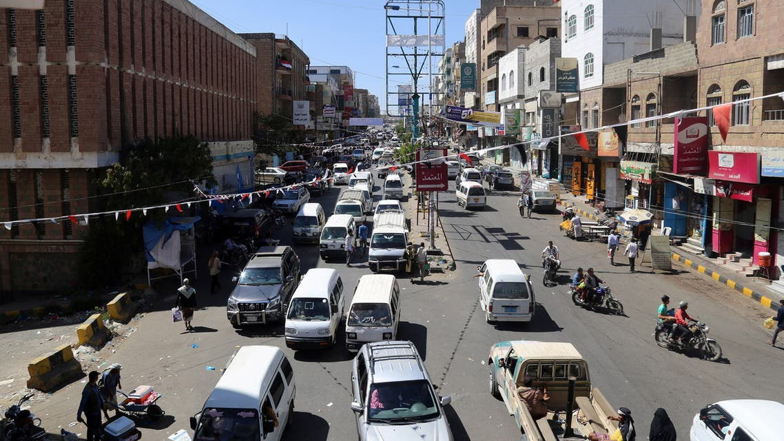 A picture taken on November 13, 2018 in Yemen's third city Taez shows traffic in one of the main avenues in the southwestern city. The United Nations' aid chief called for a ceasefire around Yemen's city of Hodeida, where pro-government forces are battling Huthi rebels for control of the Red Sea port.
