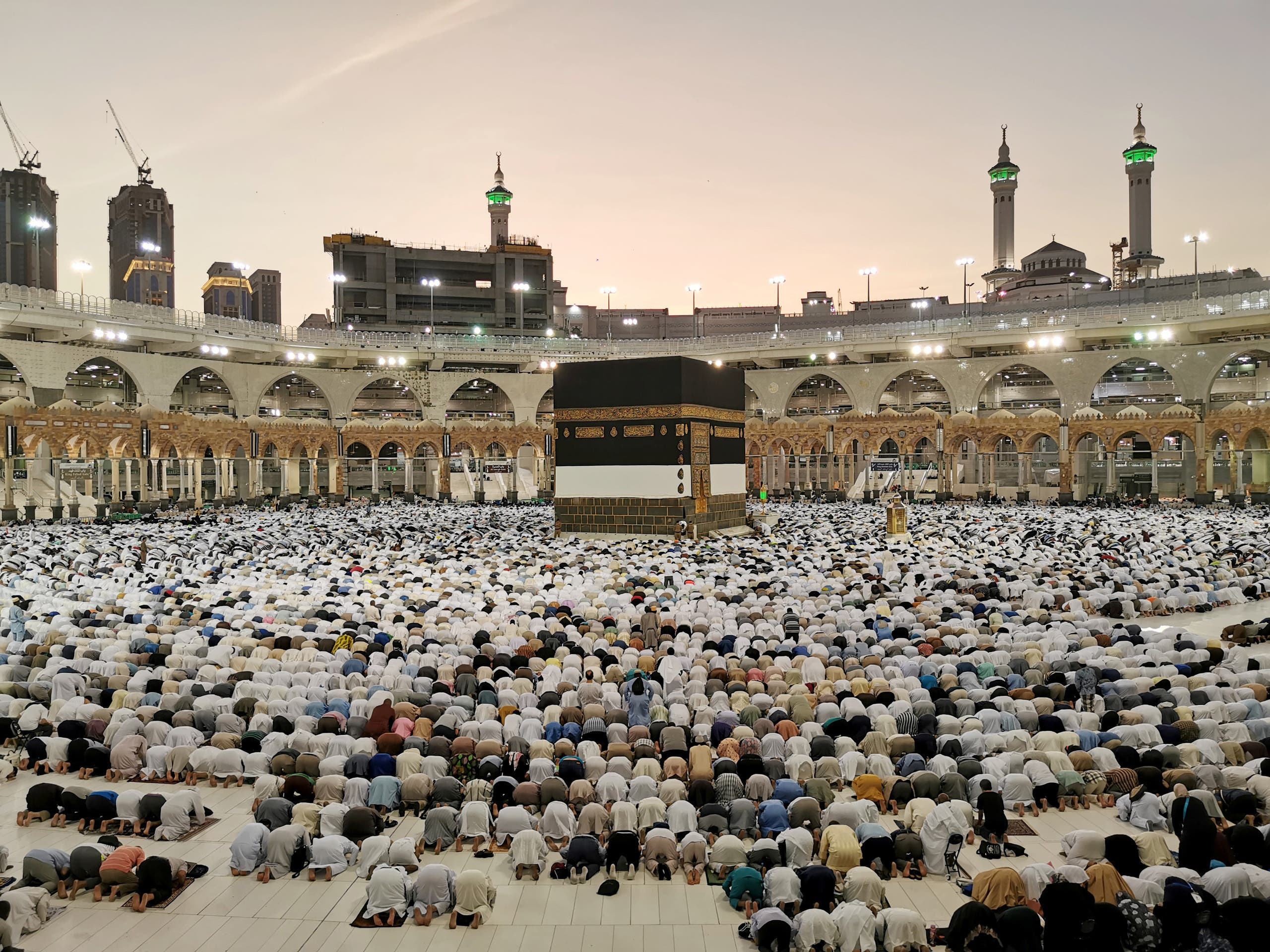 Muslims pray at the Grand Mosque during the annual Hajj pilgrimage in their holy city of Mecca, Saudi Arabia on August 8, 2019. (Reuters)